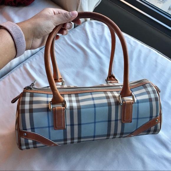 5081794a06bb Burberry Handbags - Authentic Burberry purse